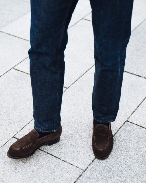 How to wear loafers with jeans 2