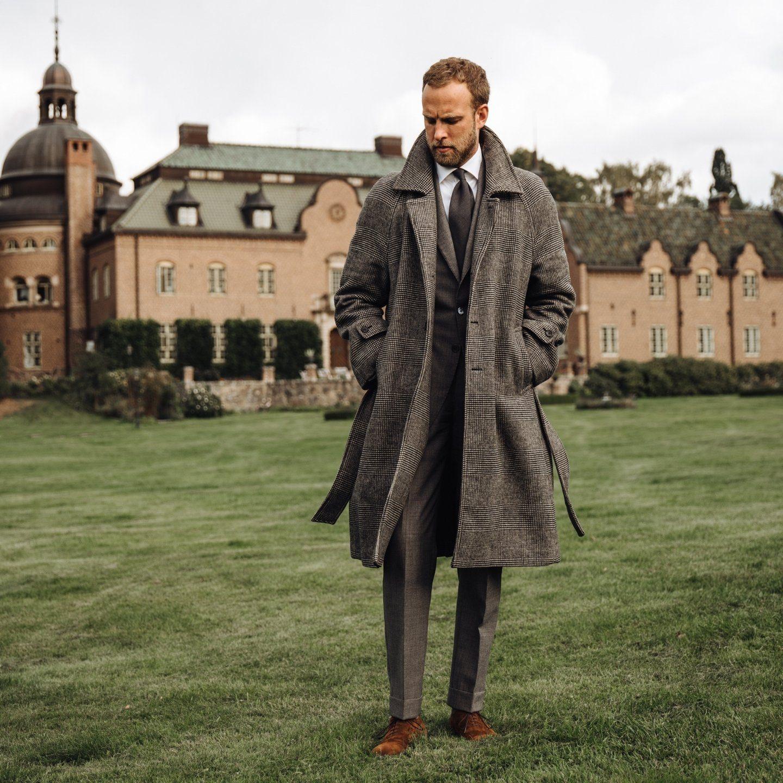 The belted raglan coat in grey